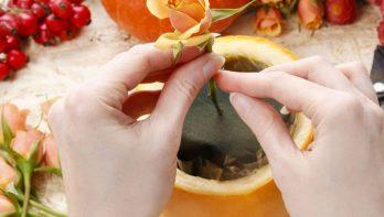 DIY bloemschikken in een pompoen