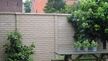 Creatieve tuinmuur van beton